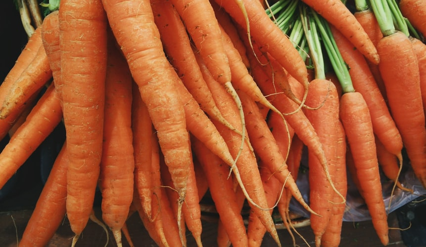this image shows going on a raw vegan diet, carrots
